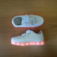 Кроссовки со светящейся LED подошвой (белые, 33, липучки)