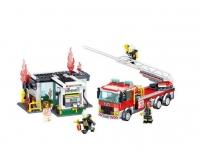 Конструктор Лего QL 0220 City Пожарная машина тушит пожар на заправочной станции
