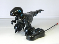 Радиоуправляемый робот динозавр