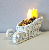 Санки подсвечник плетенный из бумажной лозы со свечой
